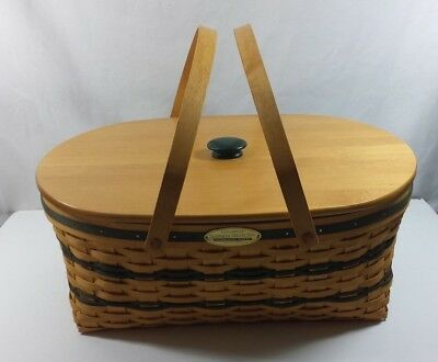 Longberger Traditions Collections Generosity Basket 1999 Edition with Lid