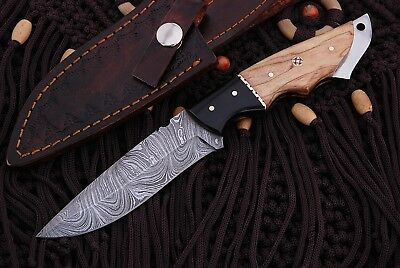 Damascus Steel Fixed Blade Hunting Knife With Olive Wood Handle & Sheath