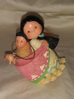 Enesco Corporation Friends of the Feather Bearing Lots of Love Figurine 115592