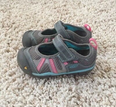 Keen Baby Girls Gray And Pink Mary Jane Shoes. Size 7.