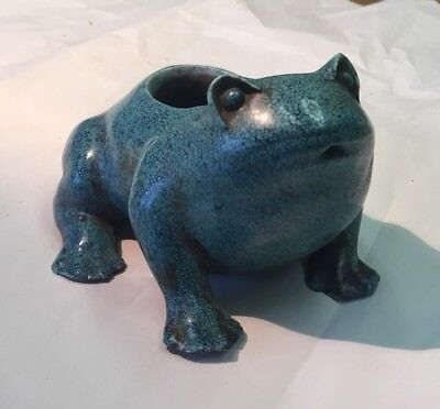 Old Chinese Porcelain Ceramic Frog Water Dripper Figure Blue Glaze No Reserve