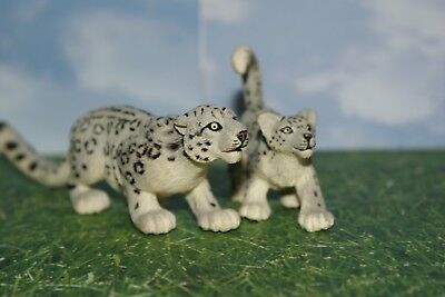 Safari Ltd Snow Leopard Female & Club from Wild Life Series 2003