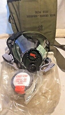 1960's U.S ARMY CHEMICAL BIOLOGICAL GAS FIELD MASK MCU 2P GAS MASK (NEVER USED)