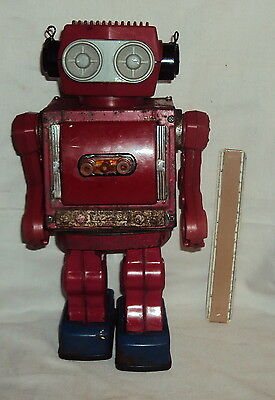 VINTAGE BATTERY Operated ROBOT TIN And Plastic TOY JAPAN  RARE OLD