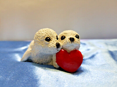 Stone Critters Littles HARP SEAL BABIES WITH HEART Figurine SCL-325
