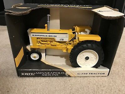 Vintage Ertl MINNEAPOLIS MOLINE G-750 Diecast Tractor in Box 1/16 scale