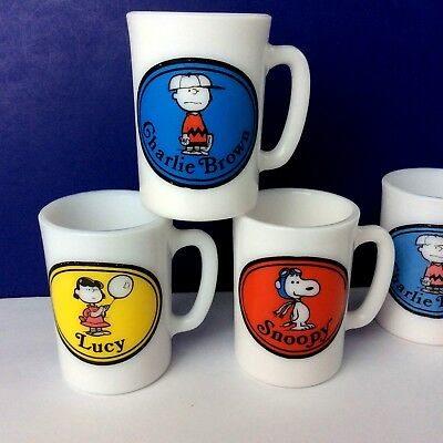 1969 United Features Avon Milk Glass Mugs ~ Snoopy Charlie Brown Lucy ~ Lot of 4