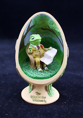 """Estate of E H Shepard CVS 2002 """"The Wind in the Willow"""" Egg Shaped Figurine FROG"""