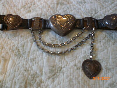 Street Ahead leather belt 4 silver decorated hearts and chains