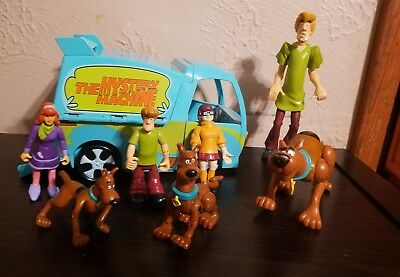 Scooby-Doo - Mystery Machine Time Trap Van With Figures