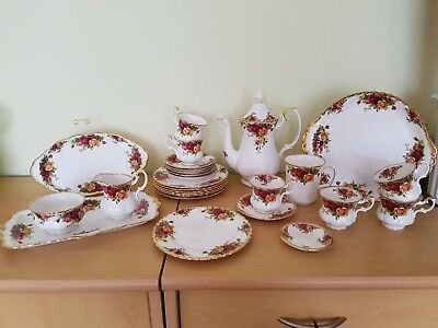OLD COUNTRY ROSES -Royal Albert- neuwertiges 6teiliges Kaffeeservice