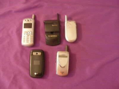 lot of 5 cellphones (MOTOROLA, LG,) all work (chargers not included