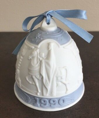*mint* Lladro 1990 Porcelain Christmas Holiday Bell W/ribbon Retired
