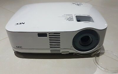 NEC VT700G Digital LCD PROJECTOR