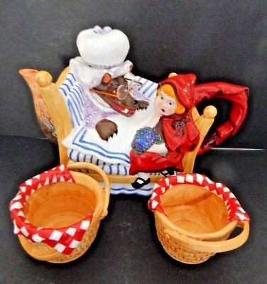 Dept 56  STORYBOOK Little Red Riding Hood and Big Bad Wolf Teapot and 2 Cups