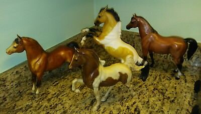 Breyer Traditional Horse Lot of 4 Vintage group.