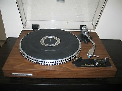 Kenwood Kd-2077 Turntable With Original Box And Owners Manual.