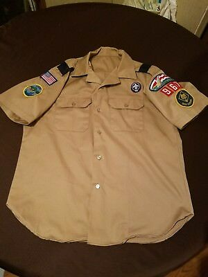 Offical Boy Scout Shirt, Den Leader, Adult Medium, St. Louis Patches