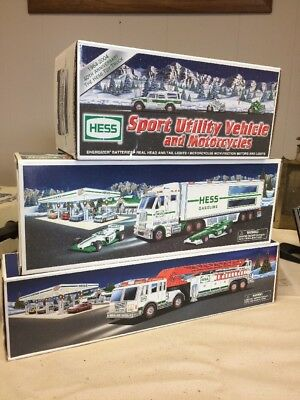 Hess Christmas Collection Collectible Trucks Lot- 2000-03-04