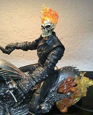 """Ultimate Ghost Rider and Flame Cycle 12"""" 1/6"""