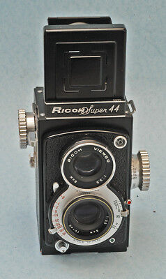Nice Ricoh Super44 twinlens camera.