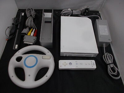 Nintendo Wii White Pal COMPUTER CONSOLE (34) LEH25215562