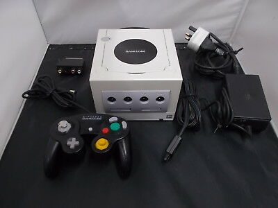 Nintendo Gamecube White Pal COMPUTER CONSOLE (31) DEH20078698