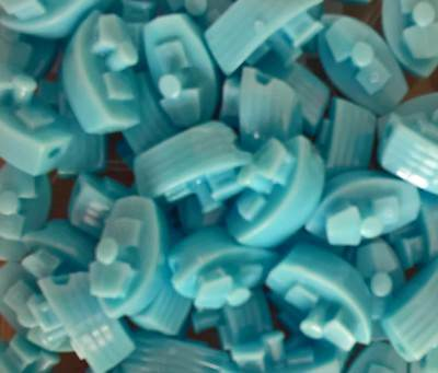 6 x 25mm Novelty Car Shaped Pony Beads suitable for all crafts