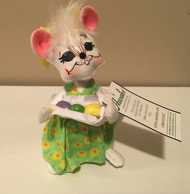 "Annalee 2009 Egg Gathering Mouse 6"" Easter Plush"