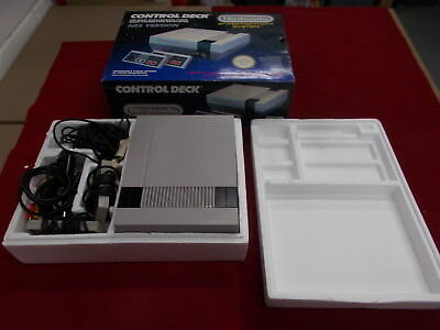 Nintendo NES Pal A Grey CONTROL DECK COMPUTER CONSOLE with Box