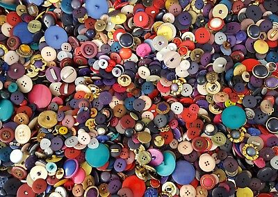 Large 2.5 pound mixed lot multi color plastic sewing craft buttons vintage lbs
