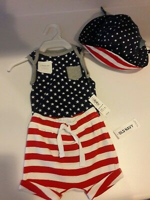 Old Navy Size 3-6Months American Flag 4th of July three peice set reversible hat