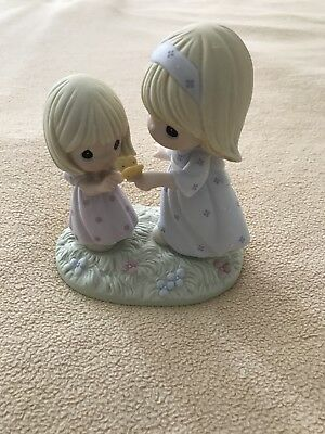 Precious Moments Figurine A Sister Is A Gift To The Heart