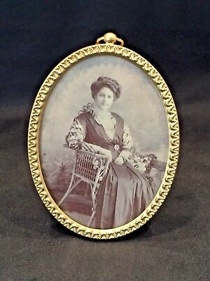 Antique Oval Picture Frame With Wonderful Border