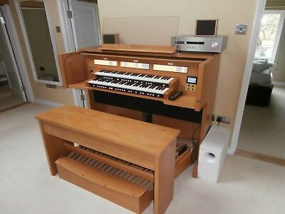 Rodgers 568 2 Manual Organ 5years old with Ivory Feel Keyboard with Bose Speaker