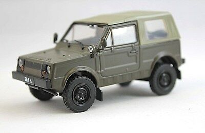 Russian VAZ 2122 (Military USSR Army Vehicle) Collection Model Car 1/43  Scale