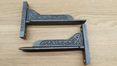 "PAIR OF SMALL (5"") VICTORIAN STYLE CAST IRON SHELF BRACKETS (2 brackets)"