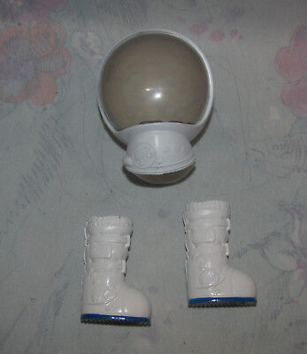 Barbie Space/Astronaut Helmet & Boots - Moon Boots - White