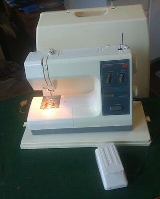 Vintage SEARS Kenmore 22 Stitch Sewing Machine with Carrying Case