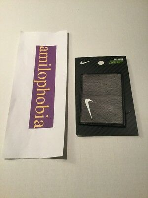 sports shoes d00f4 0e19a New Unisex Nike Tech Essential Slimfold Wallet One Size Silver Black