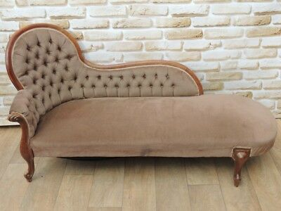 Antique Long Chaise Lounge (Delivery possible)