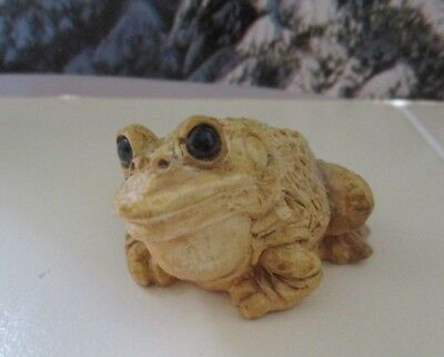 Vintage Stone Critters Littles Bull Frog Art Tan Collectible Figure