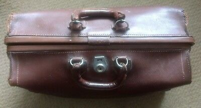 Vintage Majestic Genuine Leather Brown Cowhide Doctor's Bag from Hull Quebec