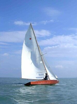 STAR 22-foot okoumé sailboat, beautiful, ready to sail
