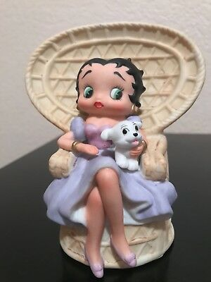 Betty Boop VINTAGE music  box By Schmid, hand painted porcelain . Rare.