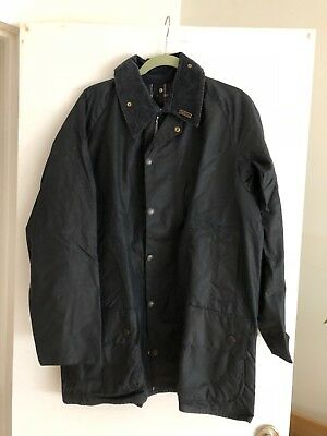 Barbour Classic Beaufort Waxed Jacket Size 42 (UK) Navy, Classic Fit.