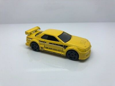 Hot Wheels 2016 Nissan Skyline R-32 GT-R Yellow JDM Import Rare HTF Multipack