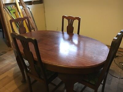 Antique Dinning Table And Chairs