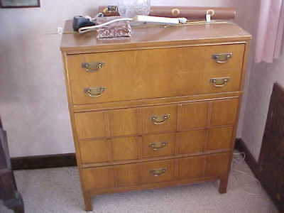 Bassett Autumn Oak Bedroom Set  (Used)