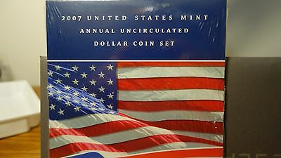 2007 United States Mint Annual Uncirculated Dollar Coin Set.**Mint condition**